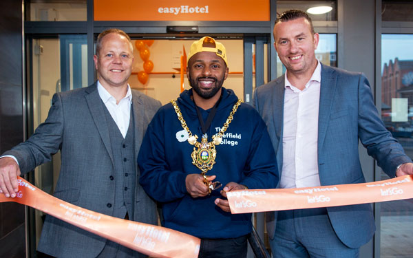 easyHotel opens in Leeds and Sheffield