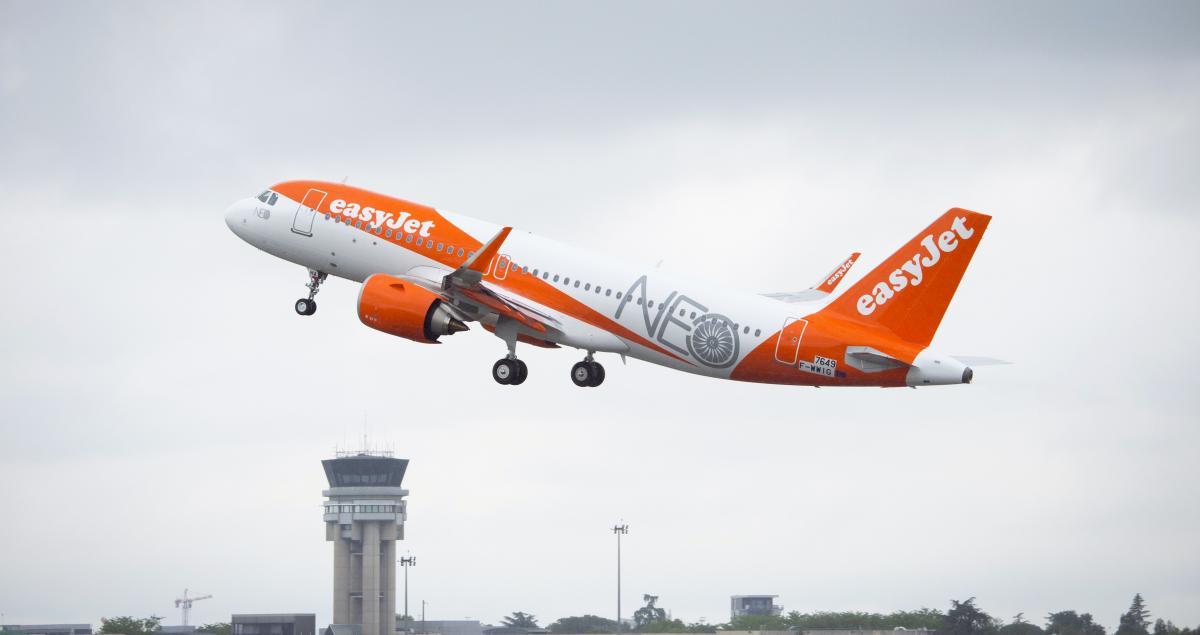 easyJet taking off